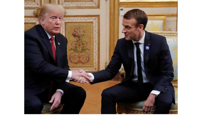 foto all'Eliseo Macron e Trump